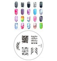 Цвет индиго на ногтях